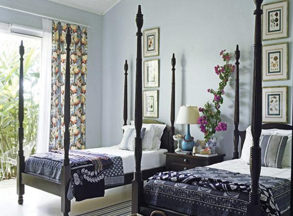 decoracao de interiores de casas antigas : decoracao de interiores de casas antigas:quarto de hóspedes com uma cama exótica vinda de bali